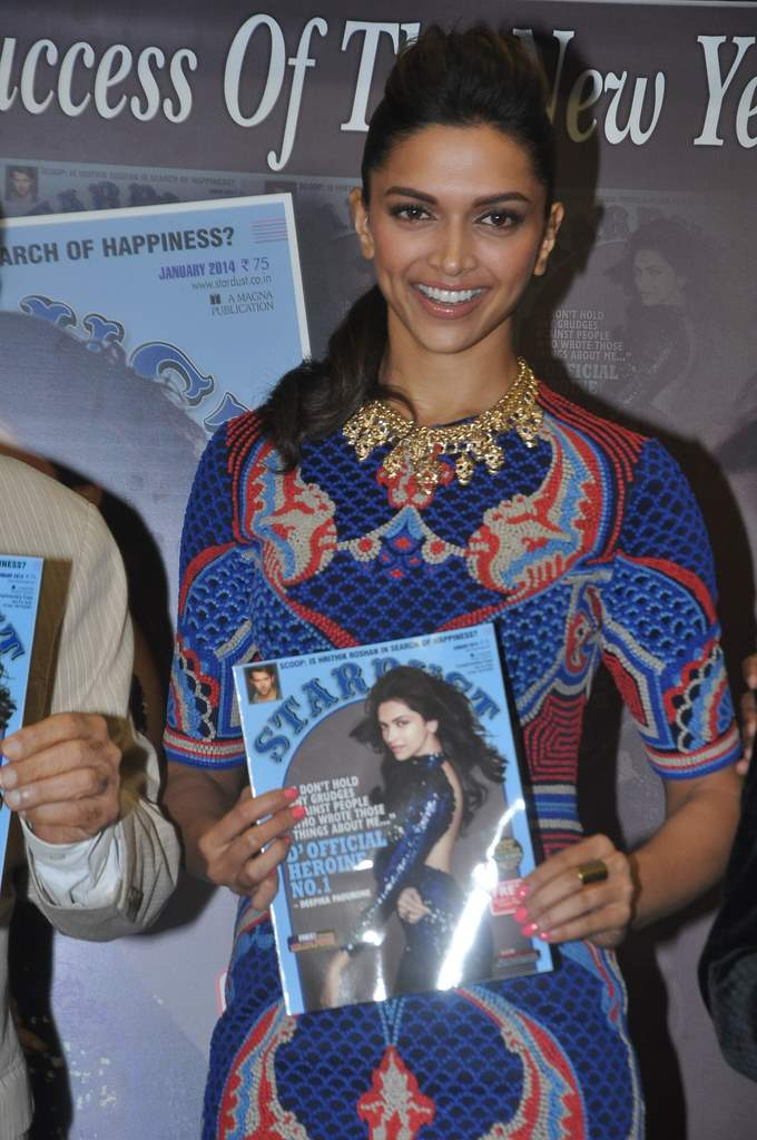 Deepika padukone stardust cover launch (4)