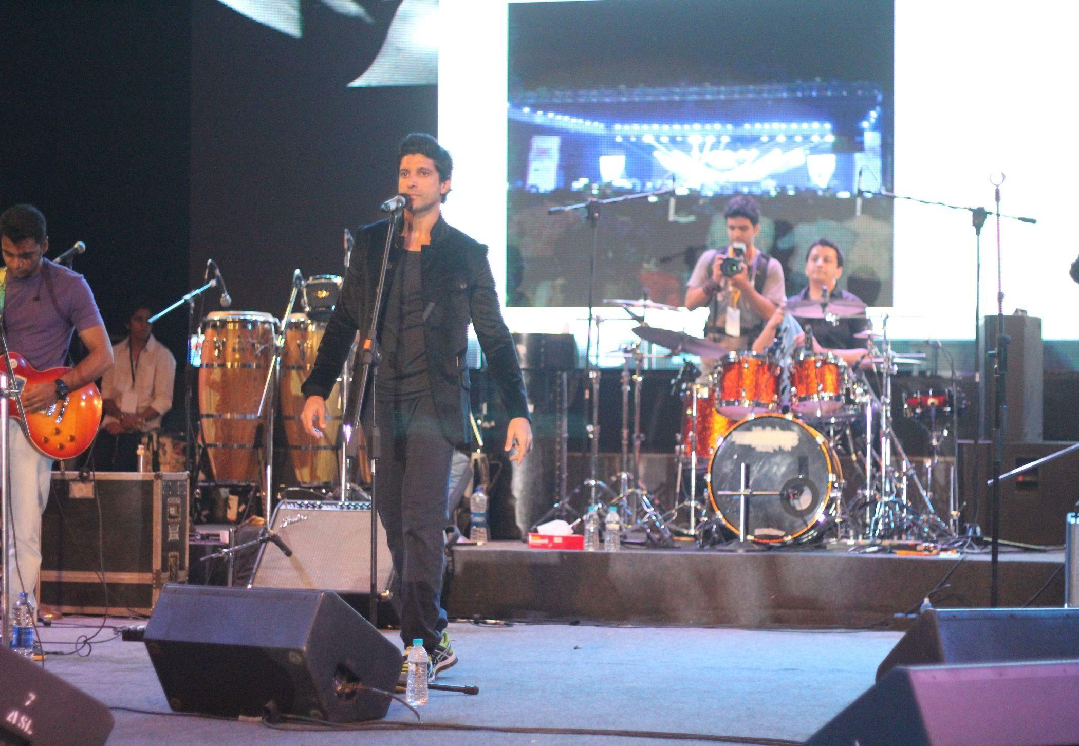 Farhan Live 1