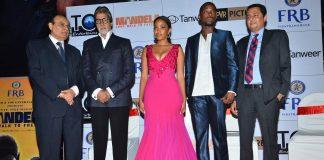 Amitabh Bachchan snapped at 'Mandela: Long Walk To Freedom' premiere – Photos