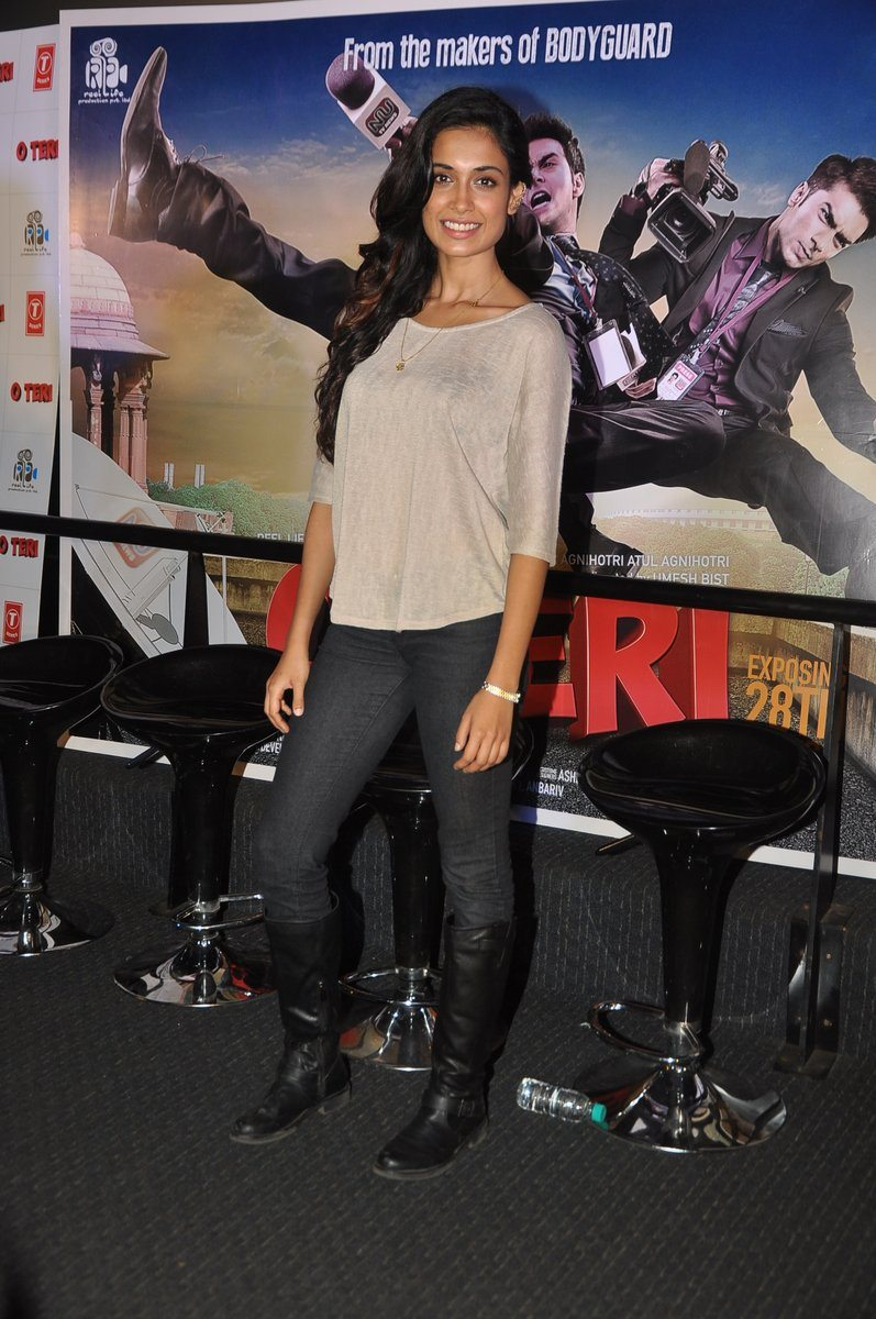 O Teri trailer launch event (1)