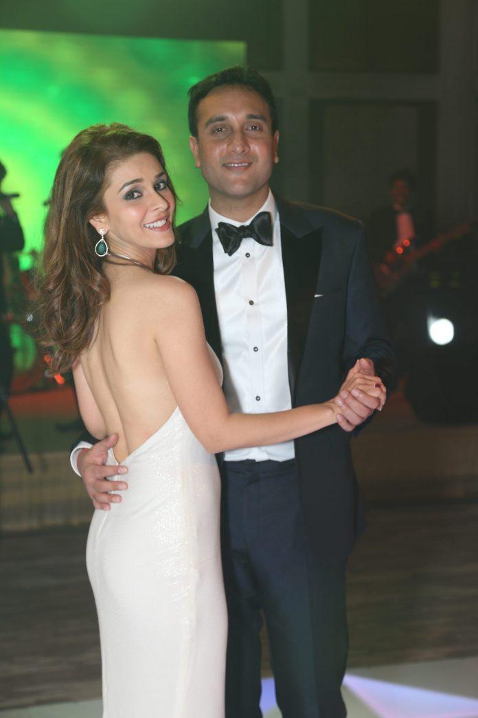 Raageshwari engagement pics (5)
