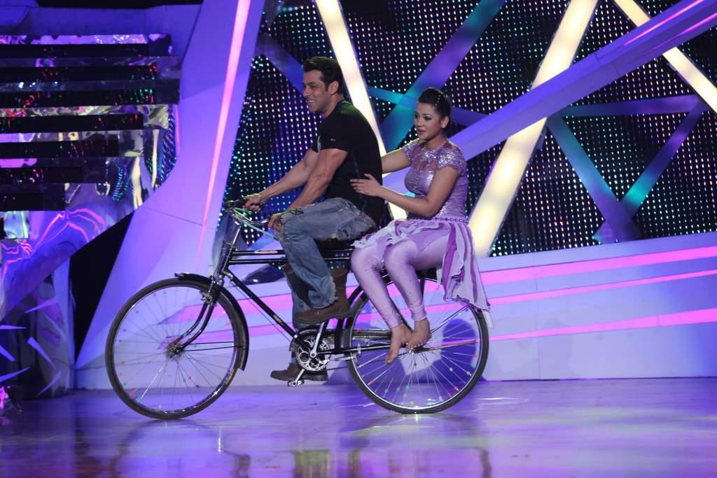 Salman Khan nach baliye 6 (2)