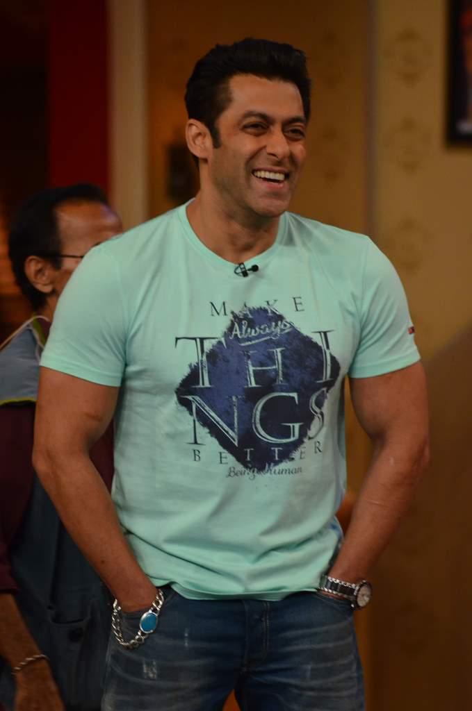 Salman Khan on Comedy nights (2)