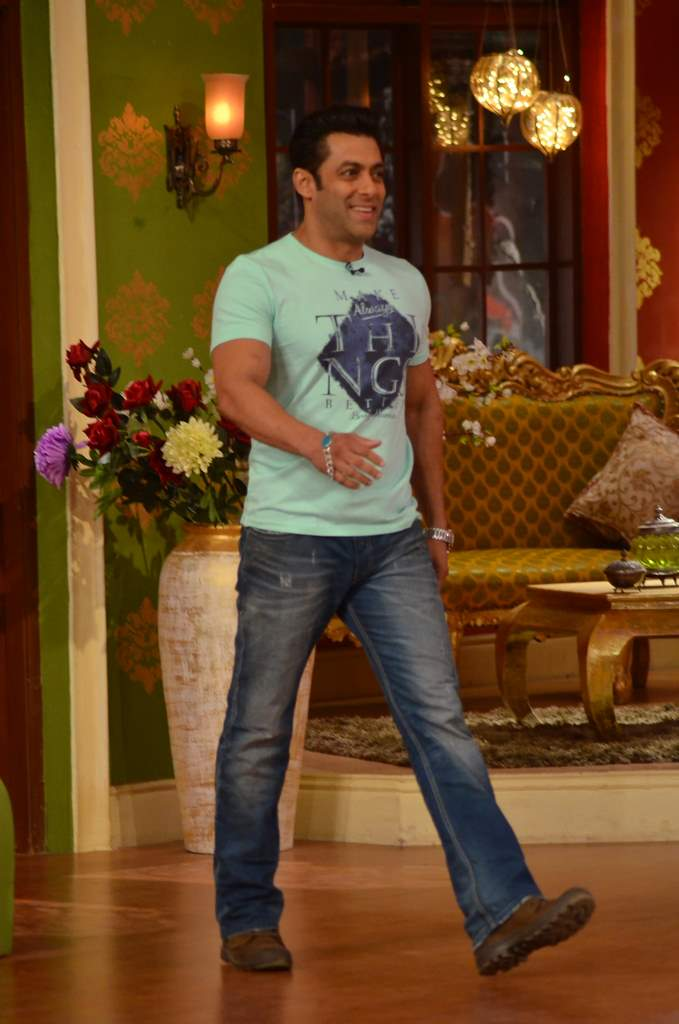 Salman Khan on Comedy nights (3)