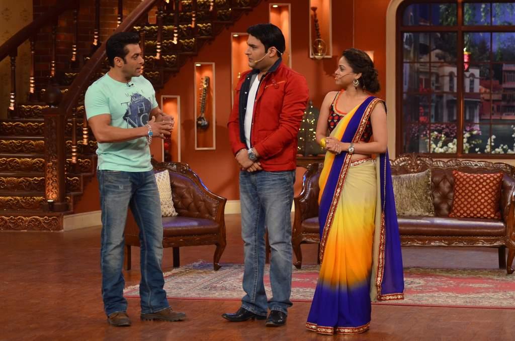 Salman Khan on Comedy nights (4)