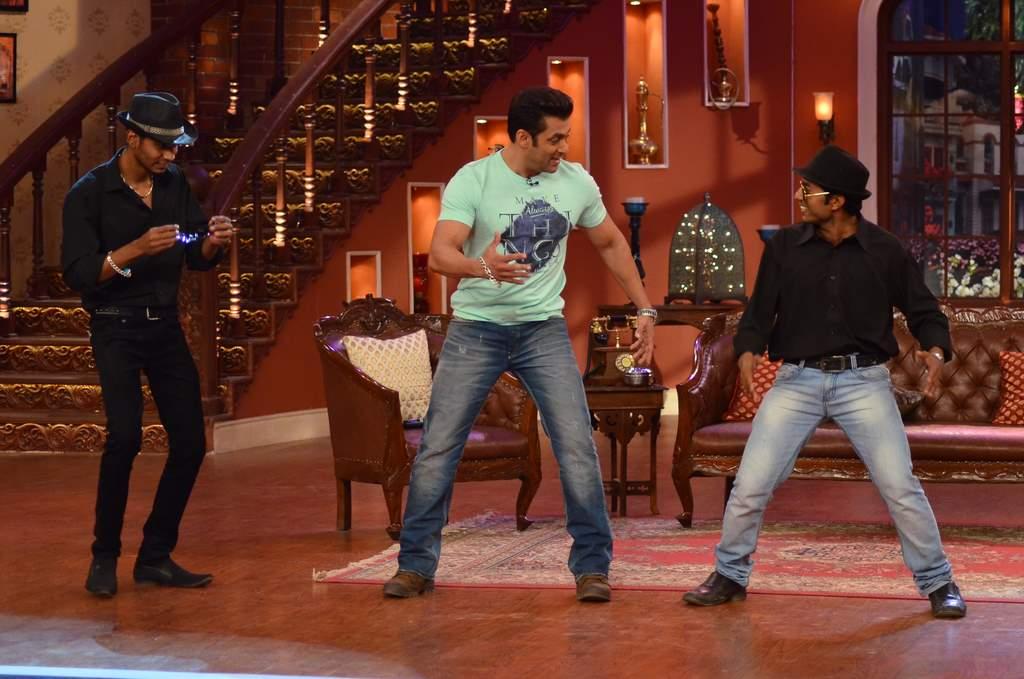 Salman Khan on Comedy nights (5)