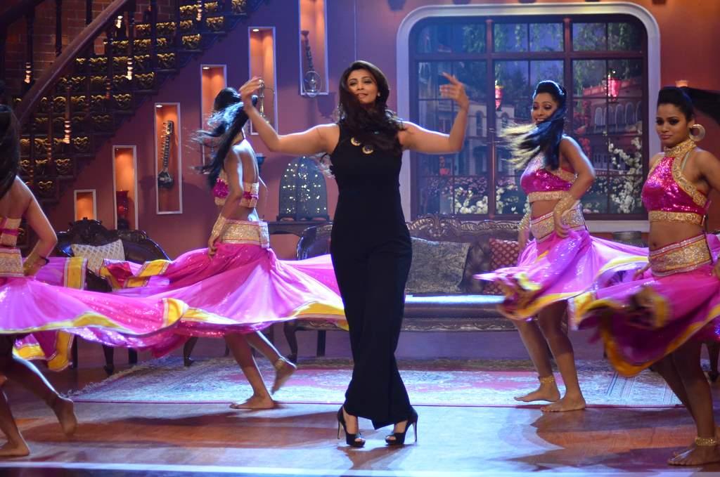 Salman Khan on Comedy nights (6)