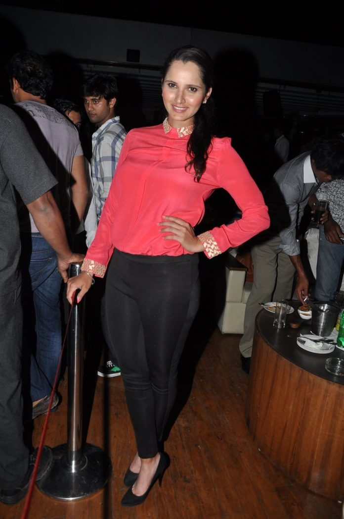 Sania Mirza New YEar bash (4)