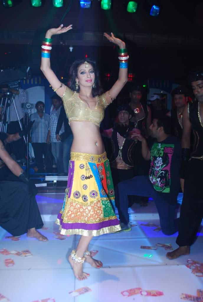 Saroj KHan item song (1)