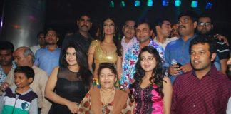 Saroj Khan choreographs item song featuring Heena Panchal