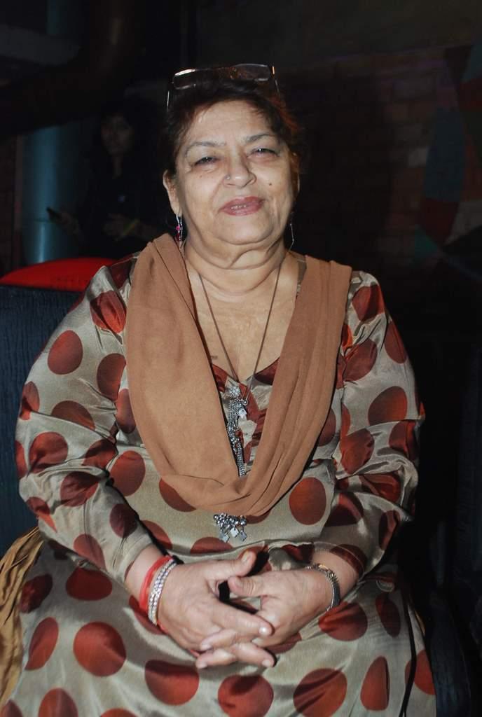 Saroj KHan item song (4)
