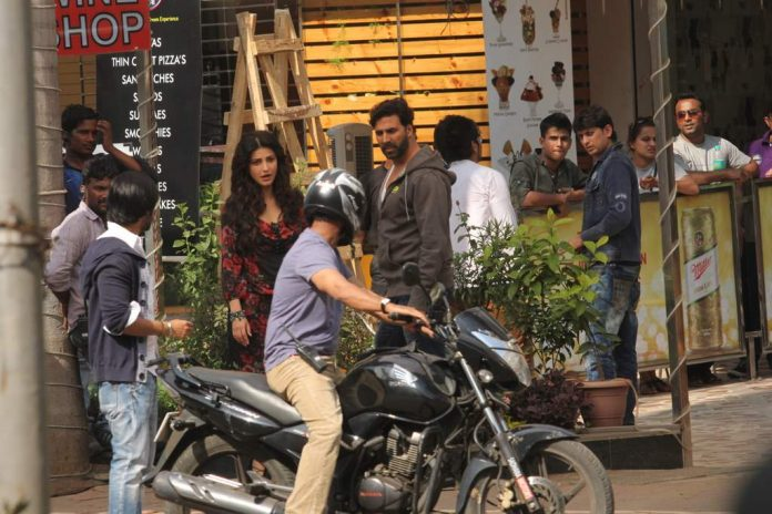 Shruti and Akshay at gabbar location (1)