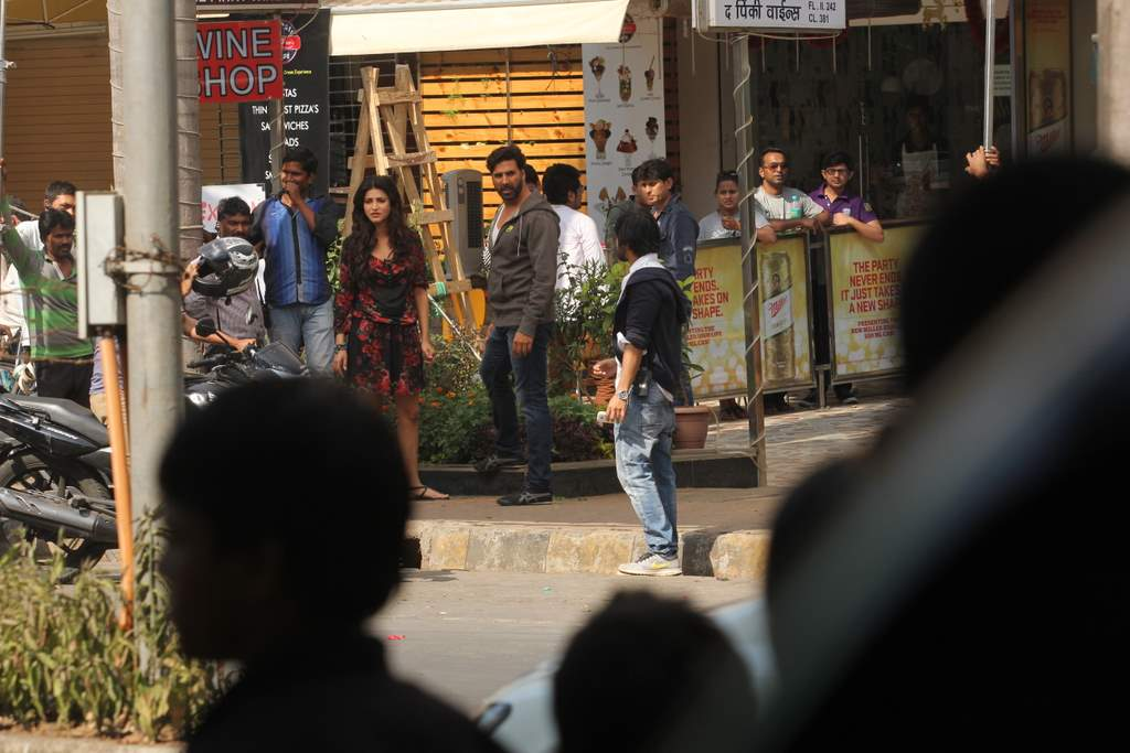 Shruti and Akshay at gabbar location (3)