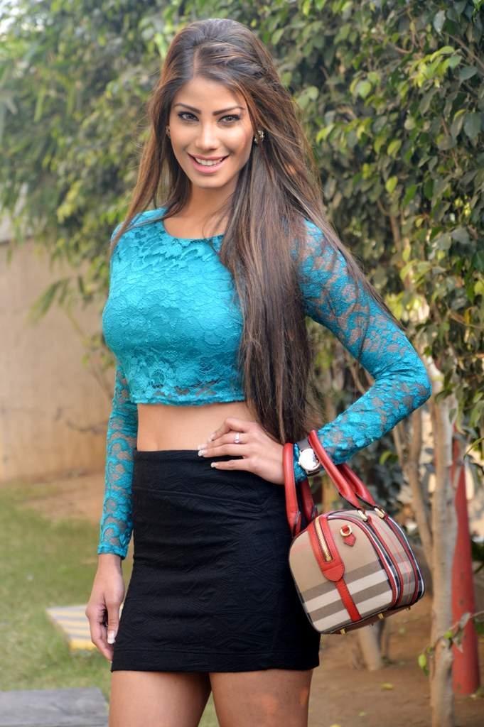 Yaaria Cast (8)