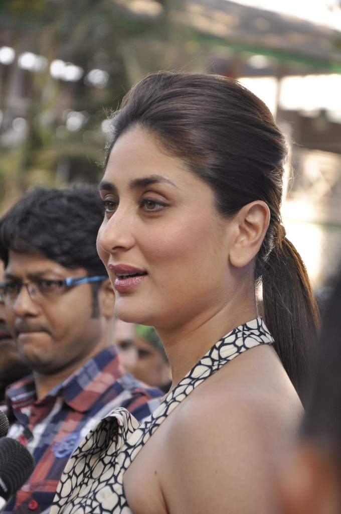kareena at mahalaxmi race cource (5)