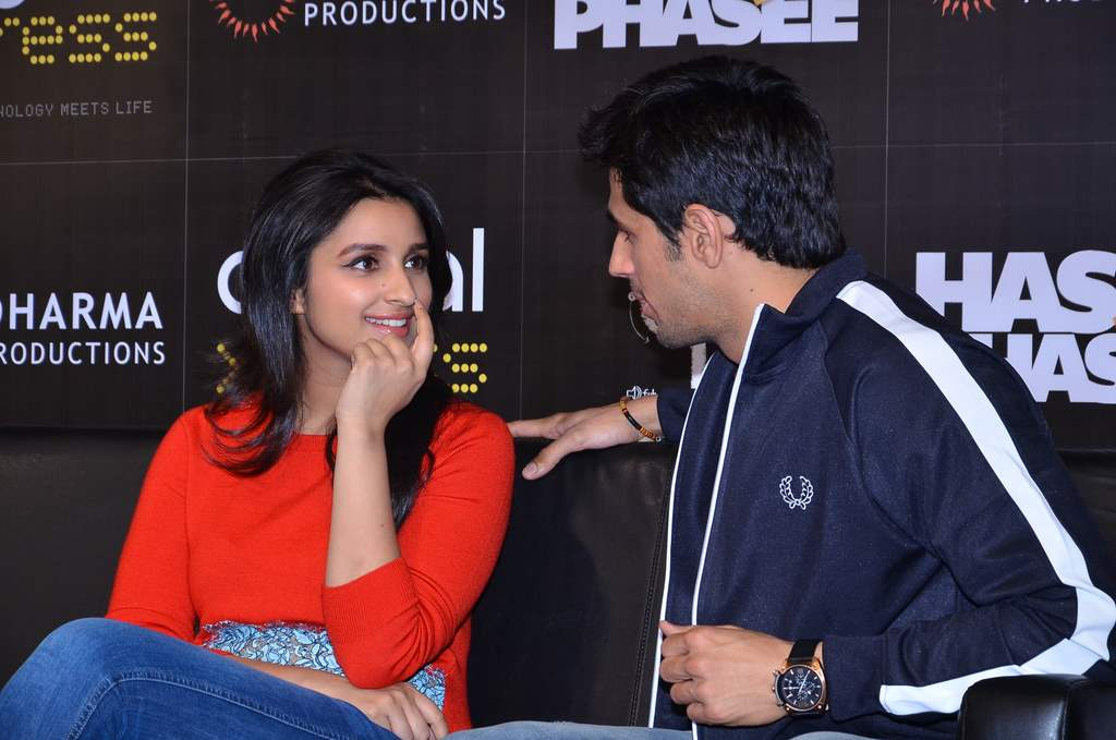 parineeti and siddharth mobile app launch (2)