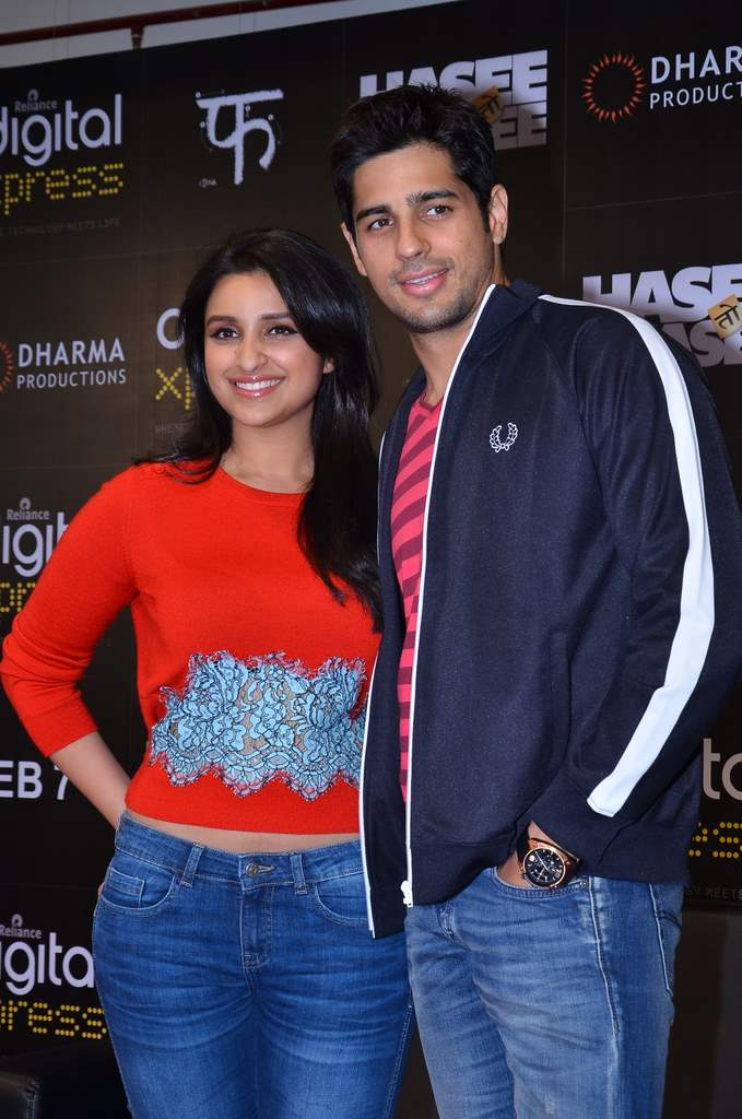 parineeti and siddharth mobile app launch (5)