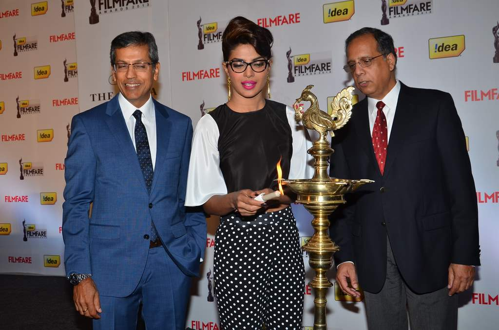 priyanka filmfare press meet (5)