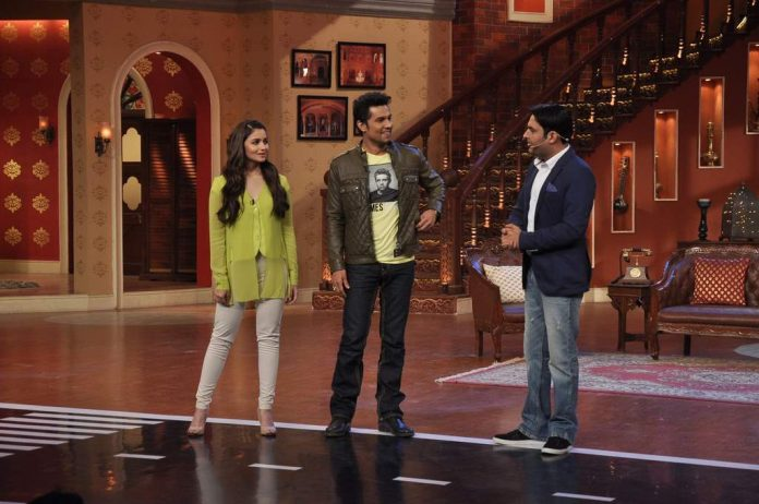 Alia bhatt and randeep hooda at comedy nights (2)