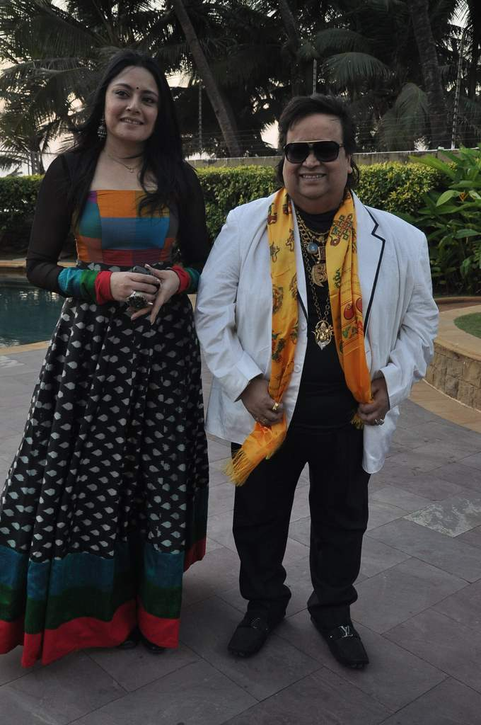 Bappi Lahiri felicitated (4)