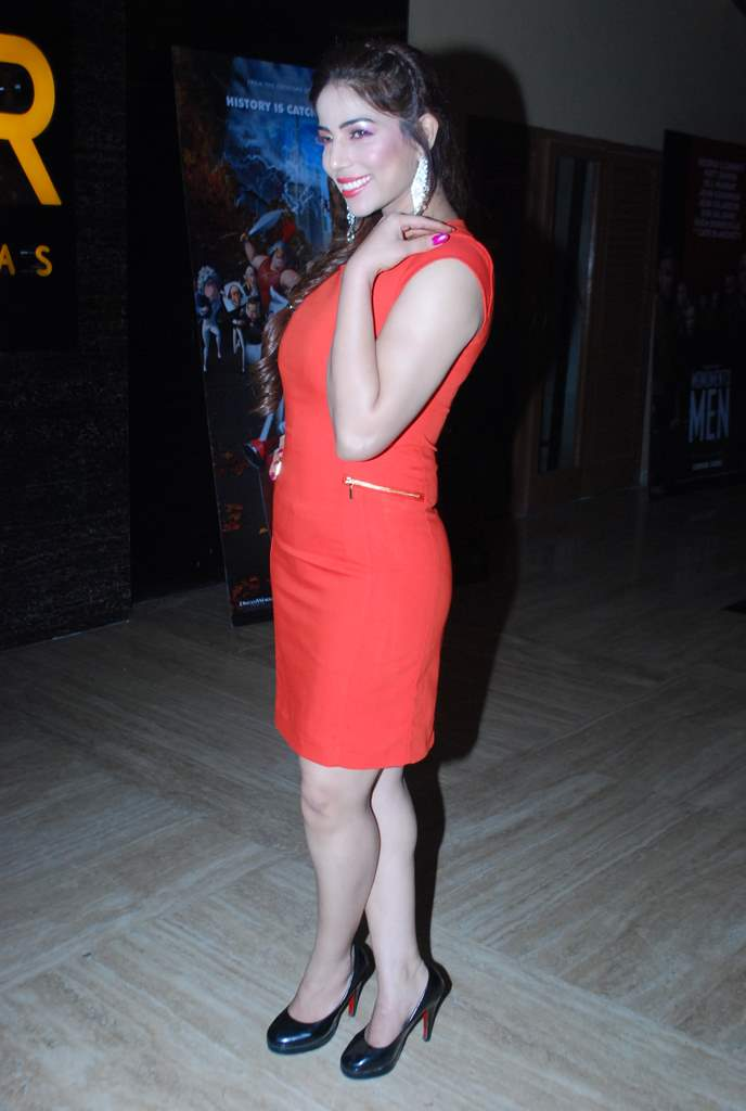 Dee Saturday night premiere (4)
