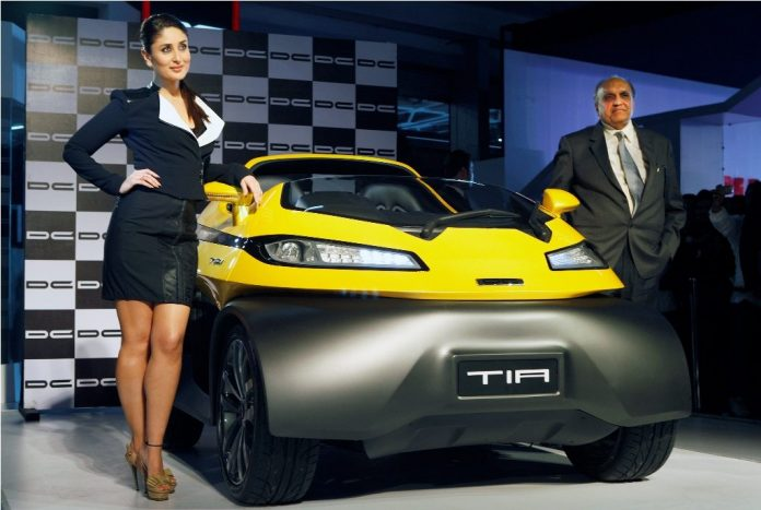 Dilip Chabria & Kareena kapoor  unveil Tia by DC design