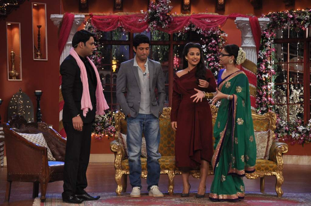 Farhan and Vidya at Comedy nights (4)