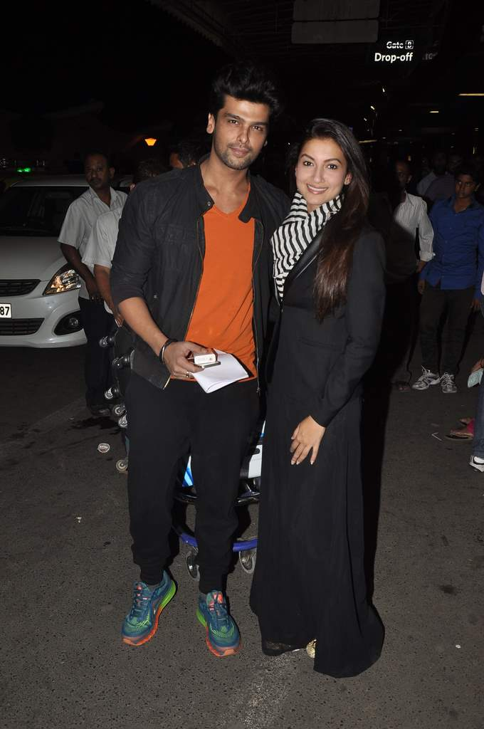 Gauhar and kushal snapped airport (4)