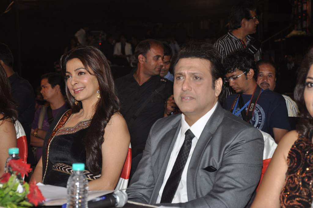 Govinda and Juhi at pageant (7)