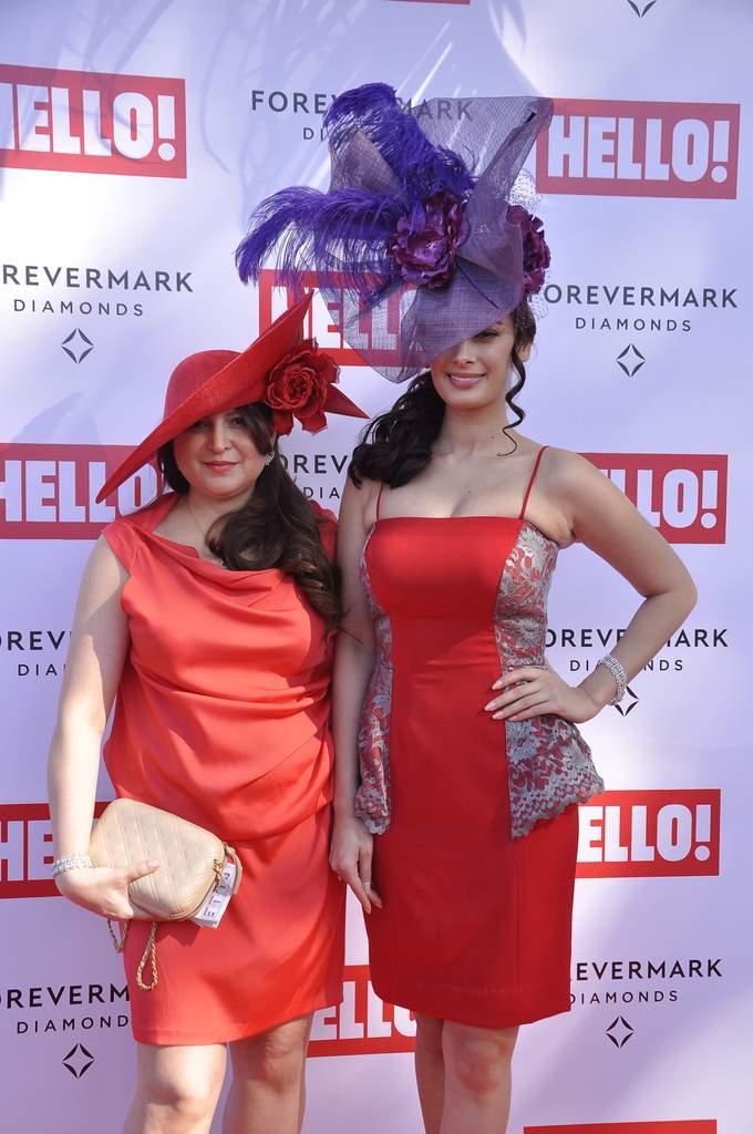 Kangana and evelyn at hello race (1)