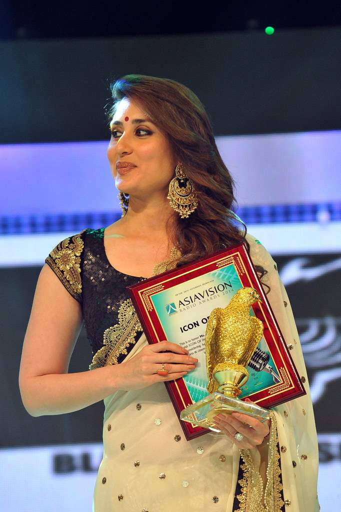 Kareena Kapoor asia vision awards (2)