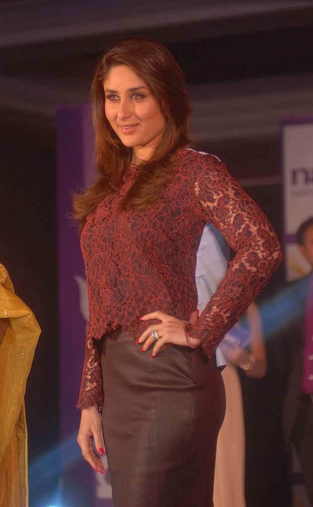 Kareena Kapoor natural salon event (1)