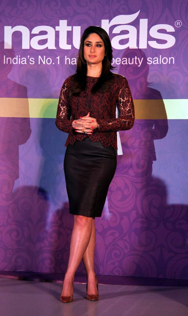 Kareena Kapoor natural salon event (2)