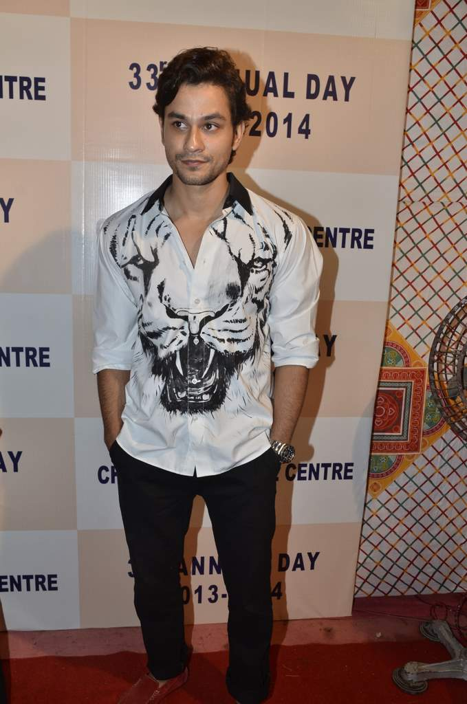 Kunal and soha at annual event (4)