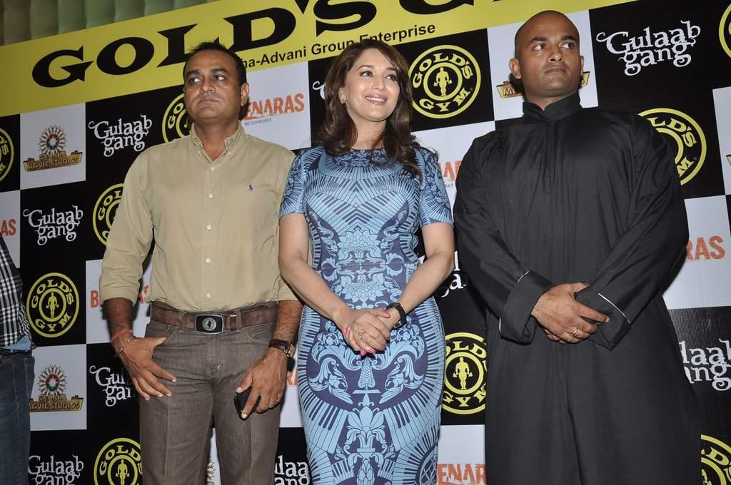Madhuri dixit golds gym (3)