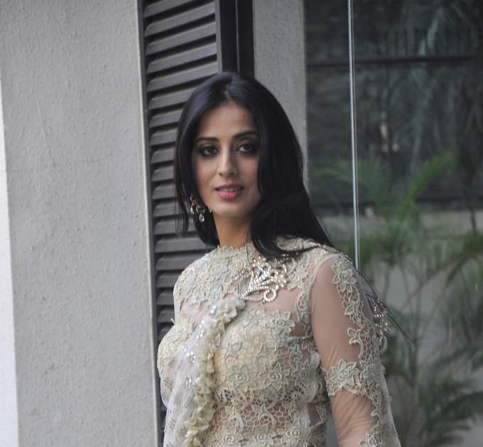 Mahie Gill with amy billimoria (4)