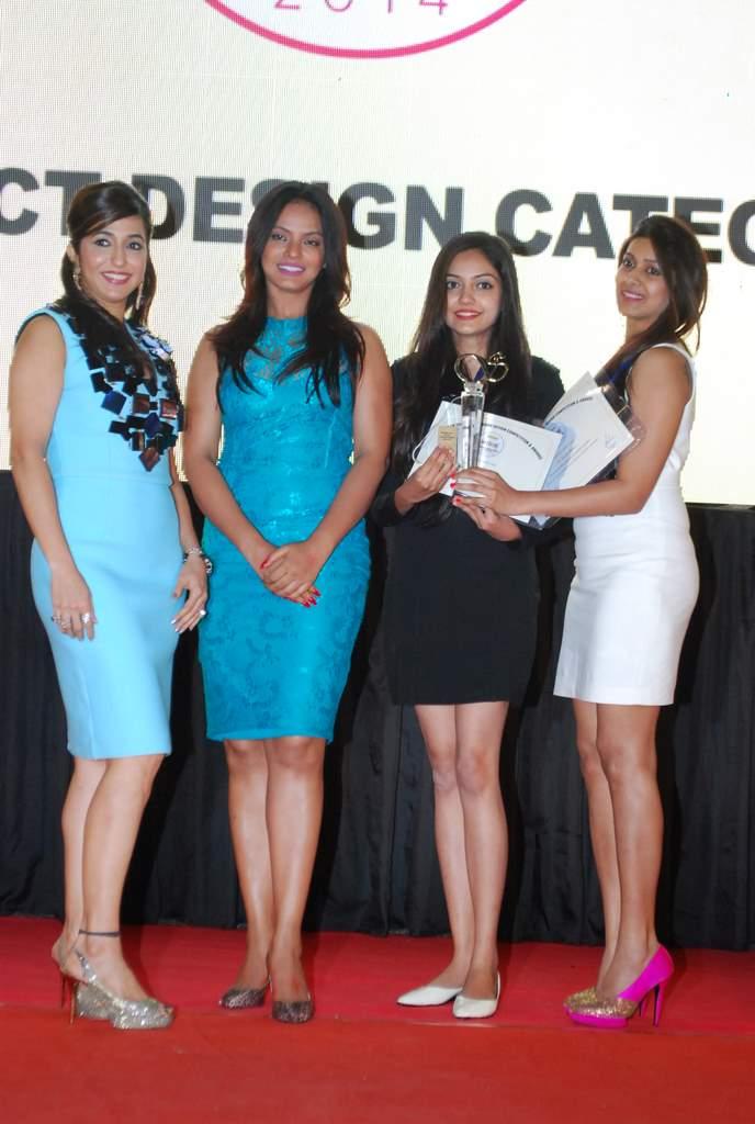 Neetu chandra society awards (3)