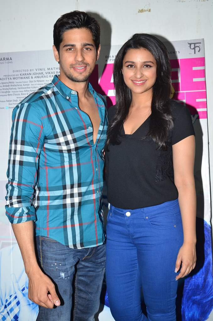 Parineeti and Siddharth at mehboob studios  (2)