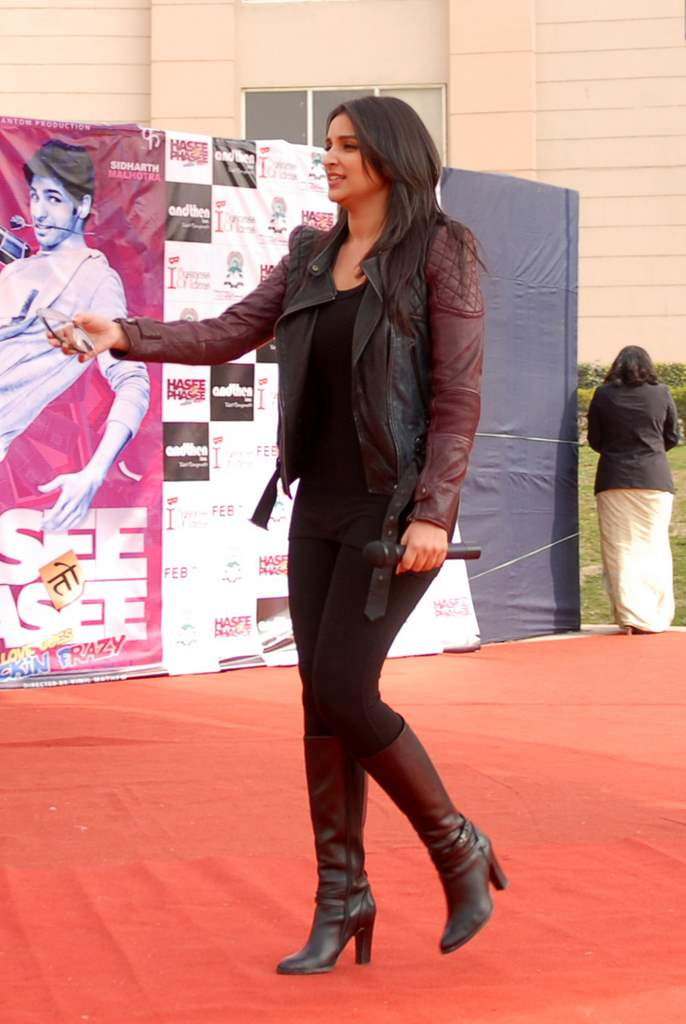 Parineeti hasee toh phasee promotions (1)