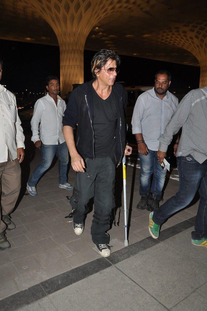 Shahrukh Khan airport (4)