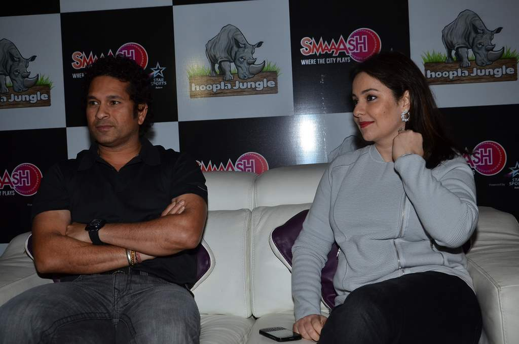 Tara sharma and anjali tendulkar (4)