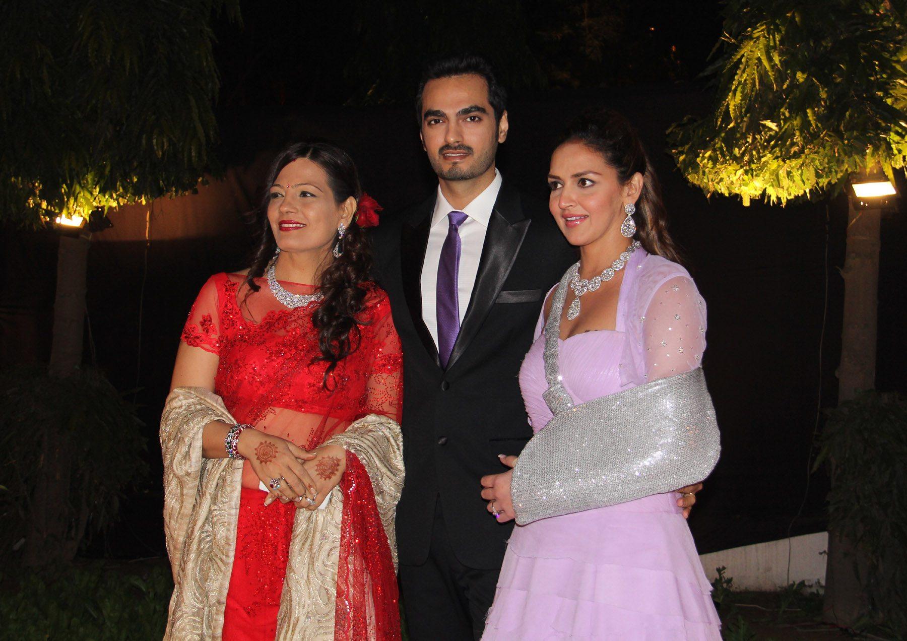 ahana deol delhi reception (6)
