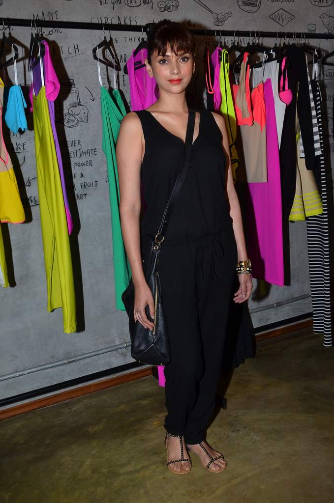 celebs at Harsh gupta store (1)