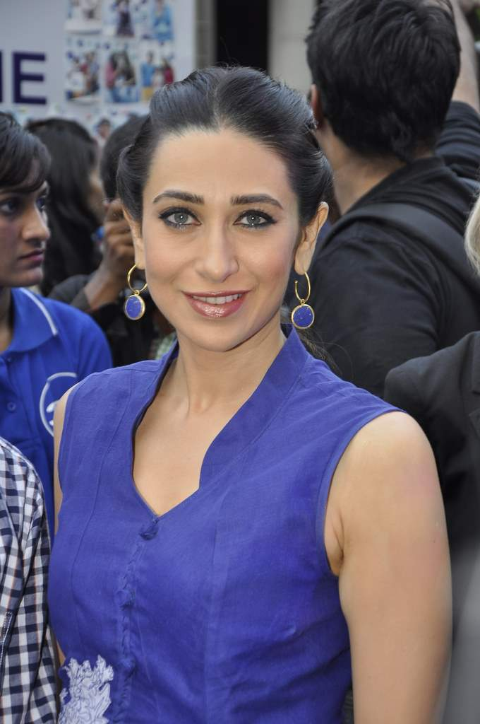 karisma kapoor at tempo event (2)