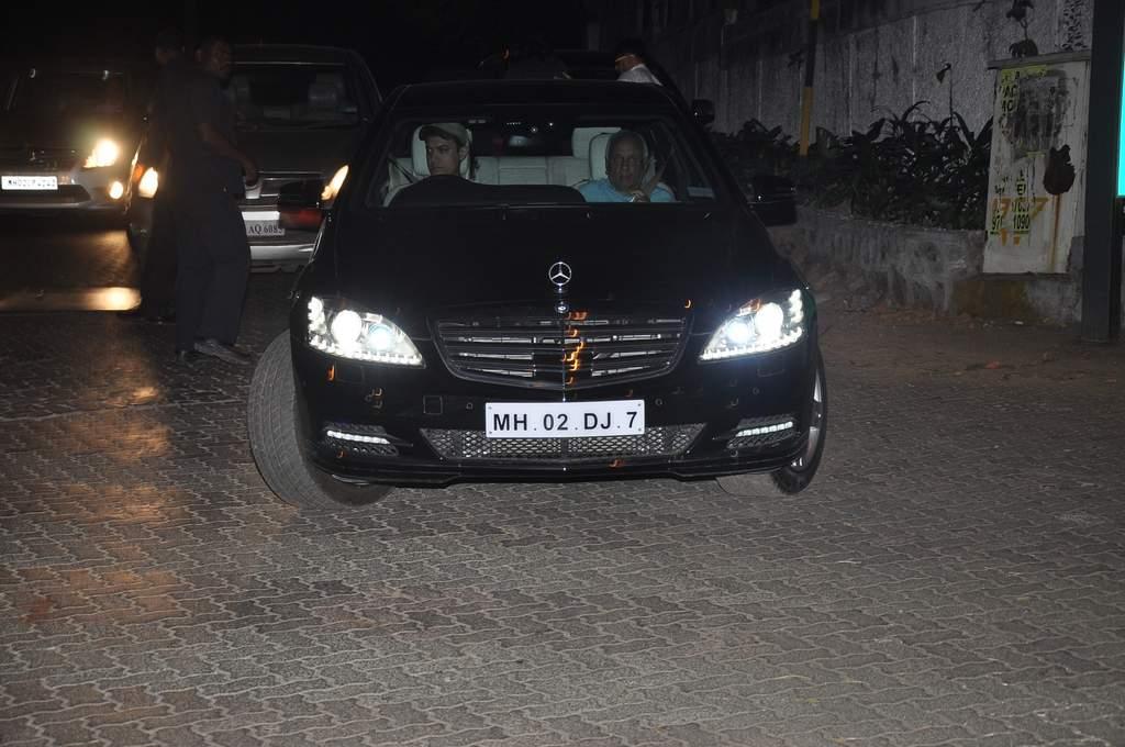 Aamir khan new car (2)