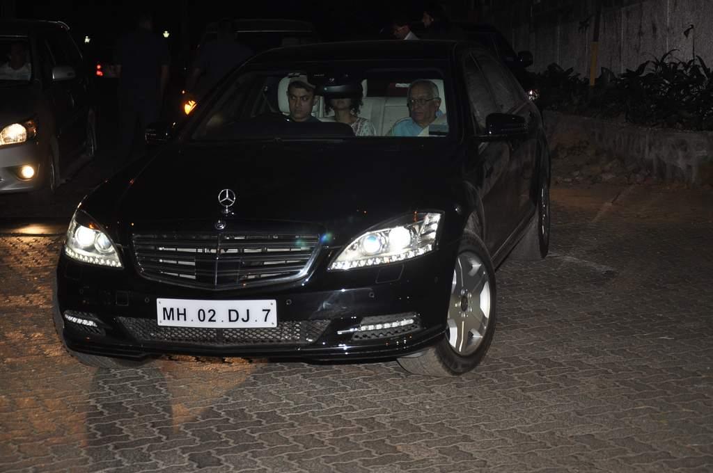 Aamir khan new car (3)