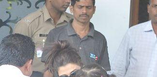 Bachchan family snapped returning from Delhi – Photos