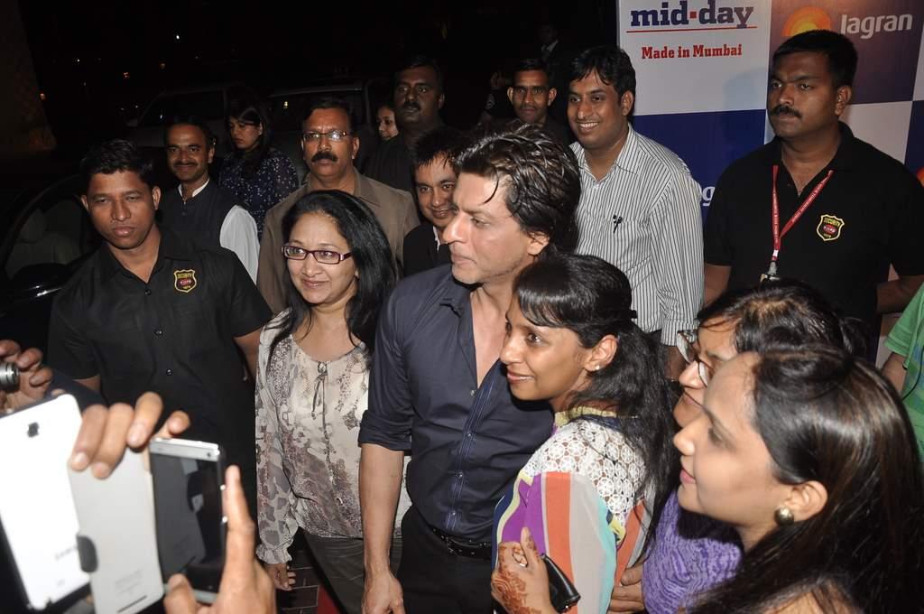 Shahrukh sings (3)