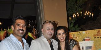 Sunil Shetty, Mana Shetty organize party at interior showroom