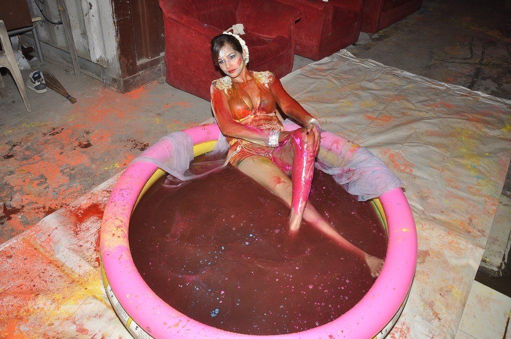 Tanisha holi (3)